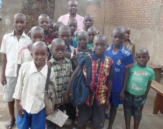 konglosesische strassenkinder familienstiftung childfund